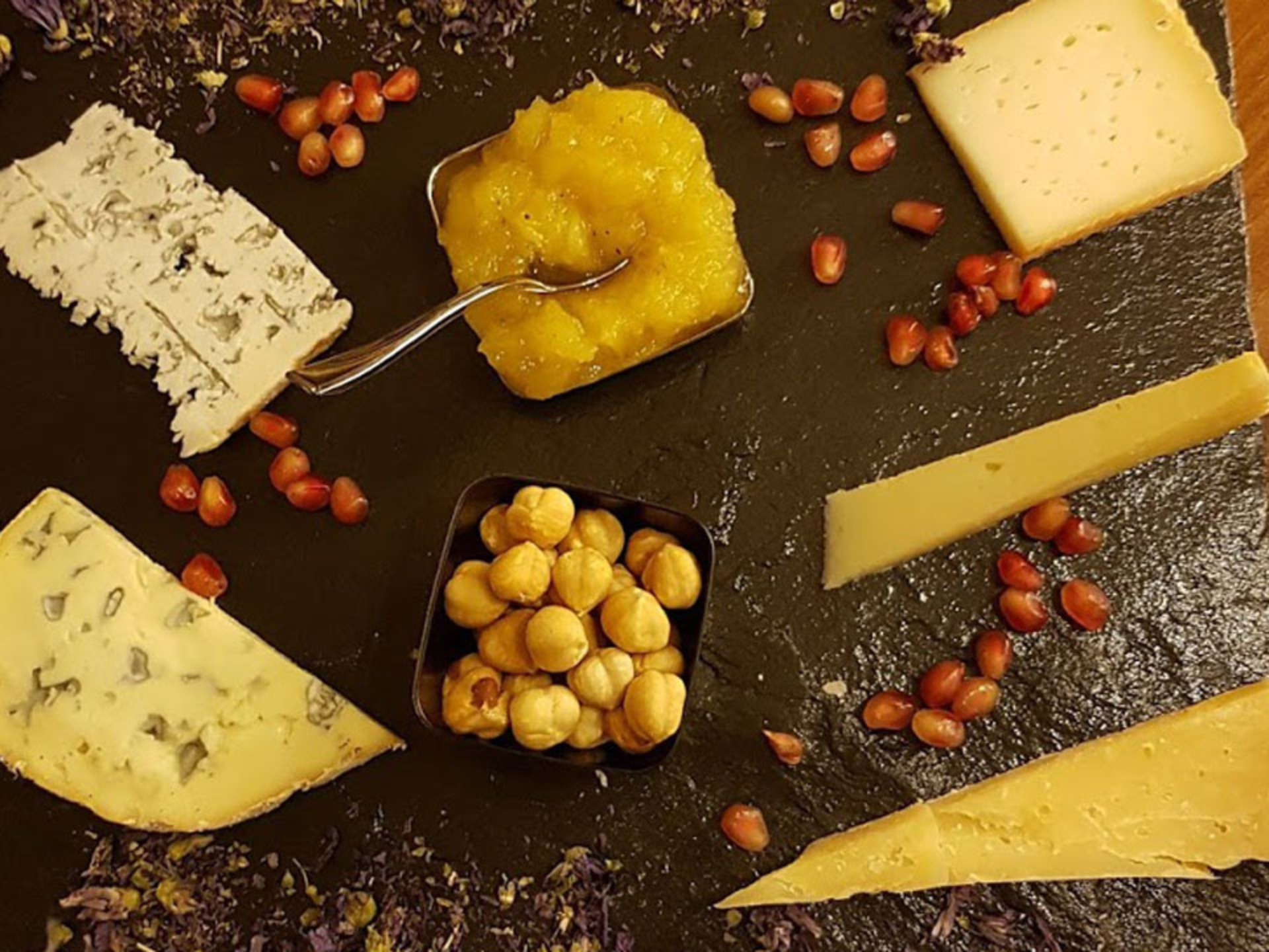 food-wine-tasting_Italy-Tour-With-Theresa_02-1
