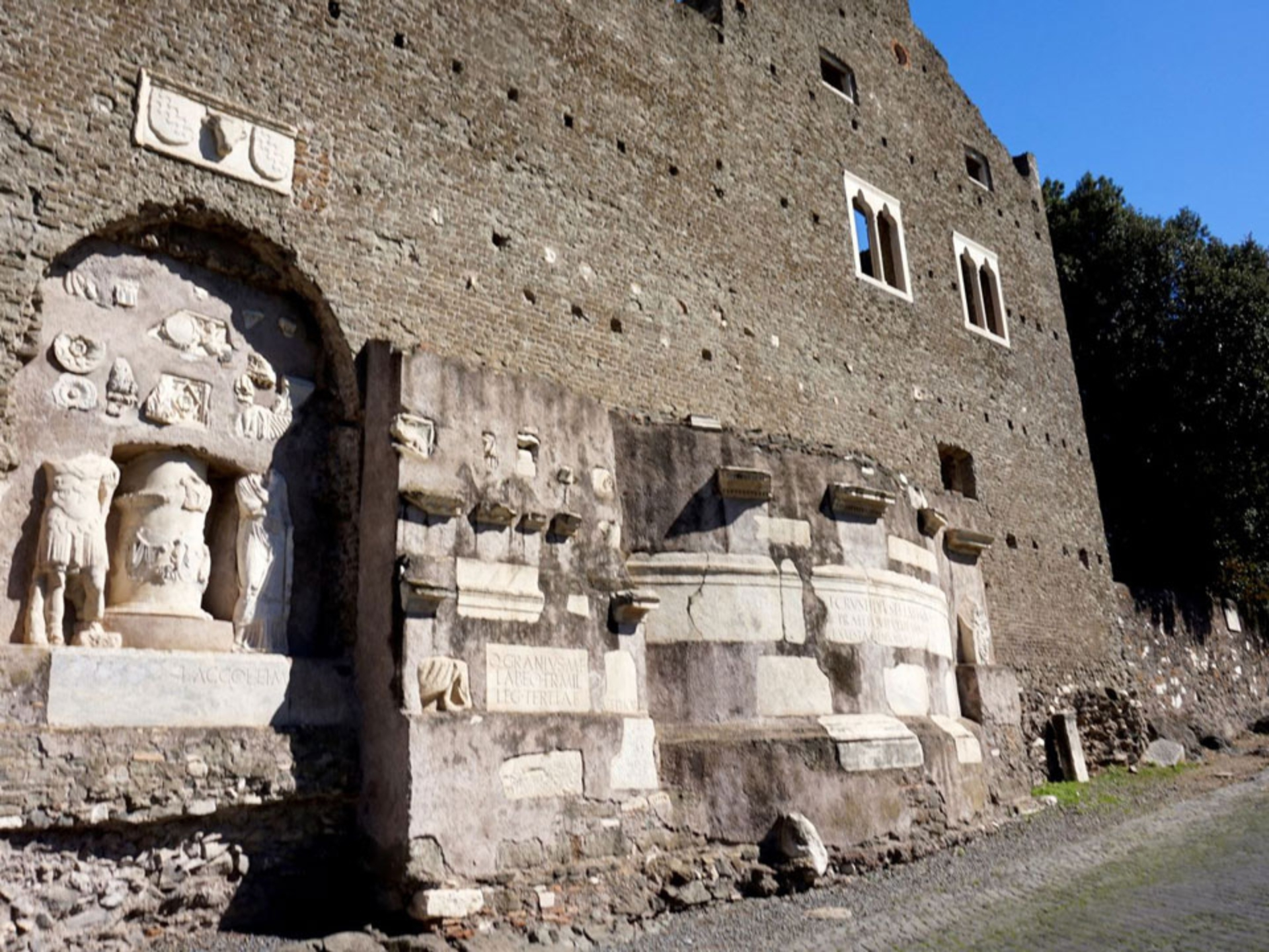 appian-way_Italy-Tour-With-Theresa_01