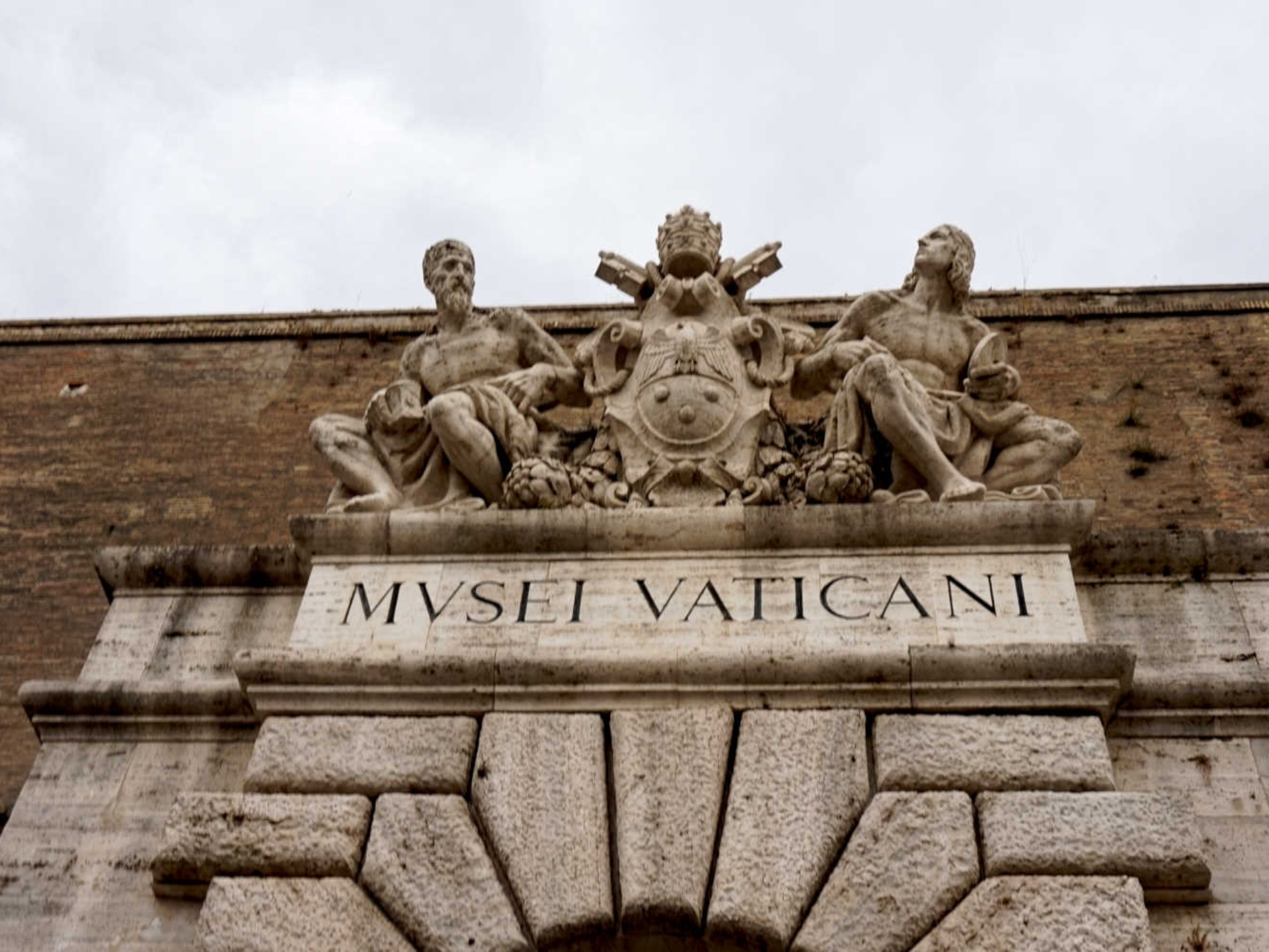 vatican_Italy-Tour-With-Theresa_09