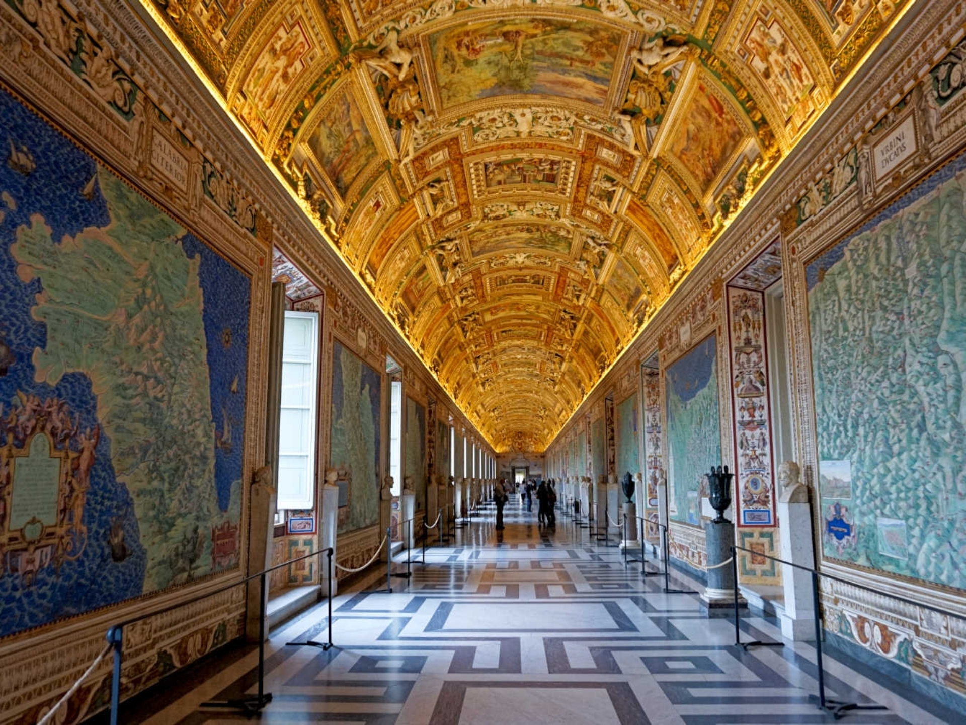 vatican_Italy-Tour-With-Theresa_15