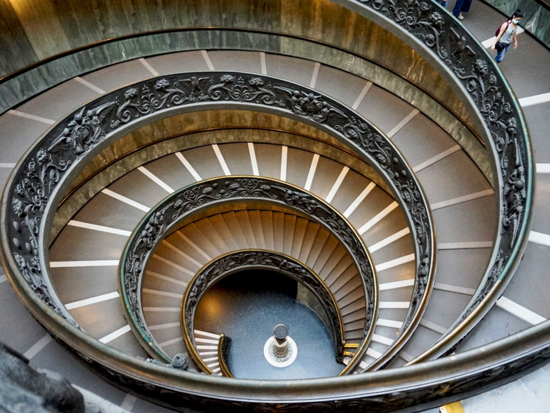 vatican_Italy-Tour-With-Theresa_17